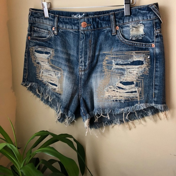 ccc2e505a4 Mossimo for Target High Waist Short Shorts Size 12.  M_5b95ea6c0cb5aaf4d481c972